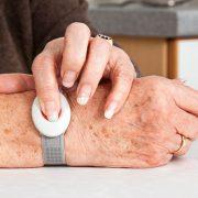 Surveillance médical bidirectionnel avec bracelet