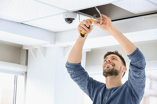 Des techniciens qualifiés pour installer vos systèmes d'alarme